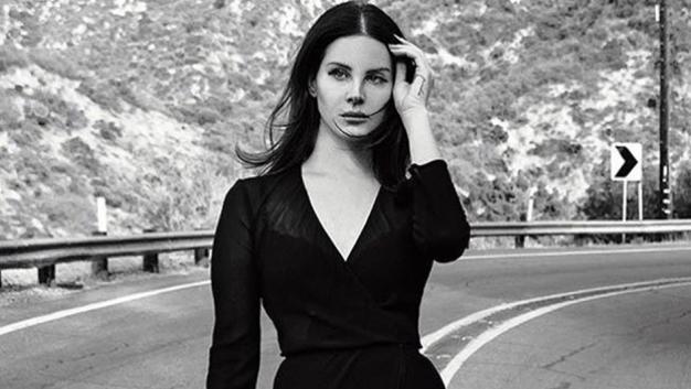 """Lana Del Rey regrava canção ganhadora do Oscar de Madonna, """"You Must Love Me"""". Ouça!"""